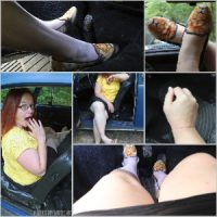 Picture Set: Scarlet in Lion Flats in the VW Bug
